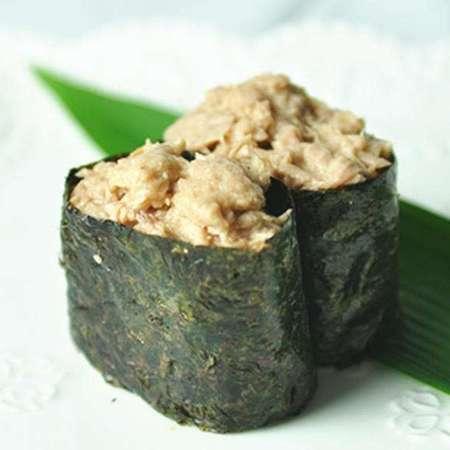 Gunkan gekookte tonijn
