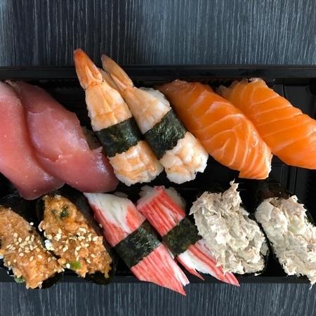 sushi schotel 98 stuks